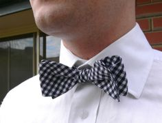 bow tie pattern (not a clip on!)