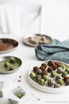 Pralinen - Matcha, Kakao, Mandel - vegan · Time for delights Matcha, Kakao, Vegan Sweets, Almond, Beverages, Treats, Breakfast, Desserts, Food