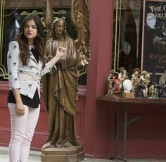 """Pretty Little Liars Season 4, Episode 12 Promo: """"Now You See Me, Now You Don't"""""""