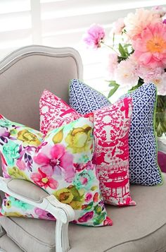 Colorful Pillows... These are AMAZING.
