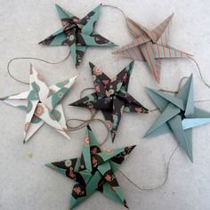 Guirlande étoiles en origami pour décoration murale chambre bébé fille garçon enfant - vert noir rouge