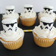 Star Wars Storm Troopers Recipe Desserts with cake mix, buttercream frosting, marshmallows, frosting