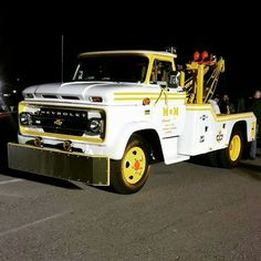 Chevrolet Trucks, Tow Truck, Chevy Trucks, Dolly Parton Costume, Old Mack Trucks, Heavy Duty Trucks, Cars And Motorcycles, Tractors, Antique Cars