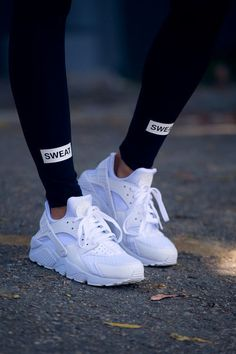 All white women's Nike Air Huarache sneakers. At TheShoeCosmetics all white trainers are the canvas, the fresh face to a sneaker makeover. An all white pair of Nike tennis shoes are perfect canvas for a customized sneaker. Moda Sneakers, Sneakers Mode, Best Sneakers, Sneakers Fashion, Best Shoes, Fashion Shoes, Nike Fashion, Trendy Fashion, Sneakers Sketch