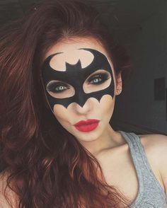 Batman Mask Makeup for Unique Halloween Makeup Ideas to Try face., Batman Mask Makeup for Unique Halloween Makeup Ideas to Try face Unique Halloween Makeup, Unique Makeup, Creative Makeup, Halloween Makeup Glitter, Unique Hair, Christmas Makeup, Batman Halloween, Halloween Looks, Halloween Costumes