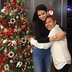 Selena Gomez Makes The Season Bright At Texas Children's Hospital - http://oceanup.com/2016/12/25/selena-gomez-makes-the-season-bright-at-texas-childrens-hospital/