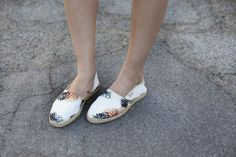 Malibú con piña. Pineapple. Details from my street style outfits. Detalles de mis looks de street style.