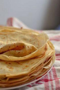 Idealne ciasto naleśnikowe Breakfast Dishes, Breakfast Recipes, European Dishes, Good Food, Yummy Food, Crepe Recipes, Polish Recipes, Quick Snacks, Galette