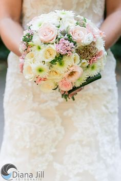 Bridal bouquet: August