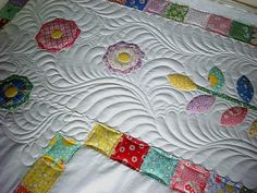 ❤️.  Beautiful combination of appliqué and quilting