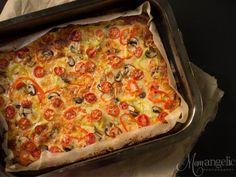 Πίτσα με ένα μυστικό συστατικό... Greek Cooking, Cooking Time, Gluten Free Recipes, Vegetable Pizza, Lasagna, Food Inspiration, Free Food, Sandwiches, Paleo