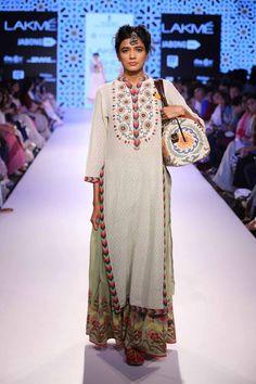 Glimpse of an amazing collection Vrisa by Rahul and Shikha at Lakme Fashion Week Summer Resort' Pakistan Fashion, India Fashion, Ethnic Fashion, Asian Fashion, Pakistani Dresses, Indian Dresses, Indian Outfits, Indian Look, Indian Ethnic Wear