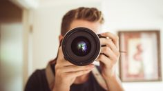 20 Free Stock Photo Sites for your Social Media Images: Trying to find great free social media images can be incredibly time-consuming. We've put together a list of the best 20 free stock photo sites to help you Photography For Dummies, Photography Jobs, Photography Business, Digital Photography, Portrait Photography, Beginner Photography, Photography Courses, Wedding Photography, Photography Articles