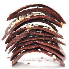 Dulces bocados: Tejas de chocolate y almendra
