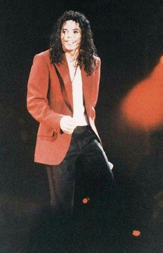 I love this red blazer! And his hair like that!!! Dayum!!!!