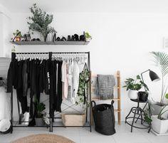 IG rachel aust - New Bedroom - . IG Rachel Aust – New Bedroom – Informations - Minimalist Interior, Minimalist Bedroom, Minimalist Closet, Home Bedroom, Bedroom Decor, Bedroom Plants, New Room, Home Design, Design Design