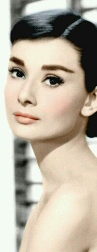 Audrey Hepburn Photo: This Photo was uploaded by twentybeauties. Find other Audrey Hepburn pictures and photos or upload your own with Photobucket free . Katharine Hepburn, Divas, Most Beautiful Faces, Beautiful People, Beautiful Lips, Simply Beautiful, Dead Gorgeous, Hollywood Glamour, Old Hollywood