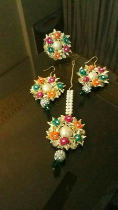 Rktkfkkd Indian Wedding Favors, Indian Wedding Jewelry, Bridal Jewelry, Flower Jewellery For Haldi, Flower Jewelry, Tassel Jewelry, Jewelry Art, Quilling Rakhi, Gota Patti Jewellery