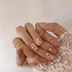 Awesome cute nails are available on our internet site. Have a look and you will not be sorry you did. Asian Nail Art, Asian Nails, Korean Nail Art, Korean Nails, Minimalist Nails, Nail Swag, Cute Nails, Pretty Nails, Work Nails