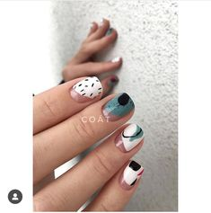 nail shapes almond Ombre in 2020 Nail Design Stiletto, Nail Design Glitter, Toe Nail Designs, Classy Nails, Stylish Nails, Trendy Nails, Pedicure Nail Art, Diy Nails, Pedicure Ideas