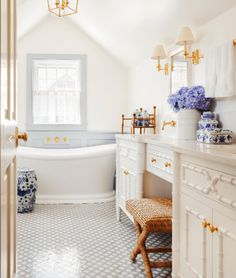Whimsical Blue and White New England Rooms from Harding and Company Design – Blue and White Home
