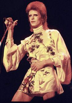 """glamidols: """"David Bowie"""
