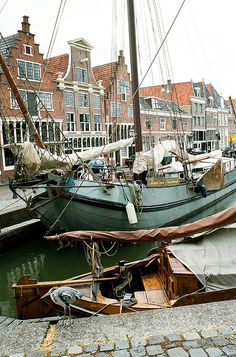 Hoorn, North Holland, the Netherlands. Rotterdam, Places To See, Places To Travel, Dutch Barge, Holland Netherlands, Voyage Europe, Leiden, Travel And Leisure, Sailing
