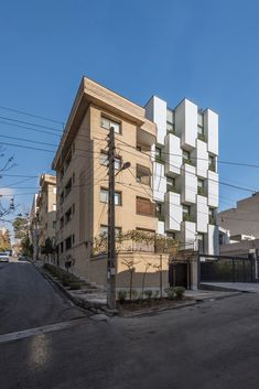 Gallery of Kar – Khaneh Office Building / DOT Architects - 10