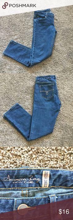 "American Rag Curvy Skinny Jeans Dark blue jeans, 29"" inseam.  Excellent condition, non smoking house.  (J) American Rag Jeans Skinny"