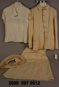 Woman's four piece wedding suit includes blouse and hat, shoes and purse. (1947) Missouri History Museum. collections.mohistory.org #fashionhistory #1940sstyle #wedding #vintagewedding