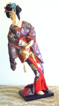 Mesmerizing Vintage Antique Japanese Kimono Geisha Girl Doll 1950's