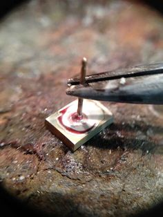How to solder a post onto an earring - Saldare un perno su un orecchino
