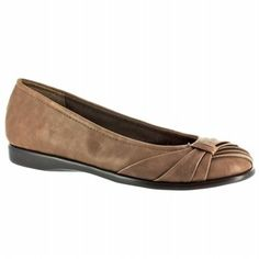 Easy Street Giddy Shoes (Taupe) - Women's Shoes - 7.5 D