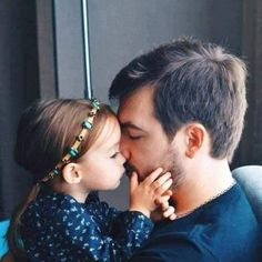 Daddy love Daddy Daughter Pictures, Daughter Love Quotes, Dad Daughter, Cute Little Baby, Baby Love, Cute Babies, Father And Baby, Dad Baby, Cute Family
