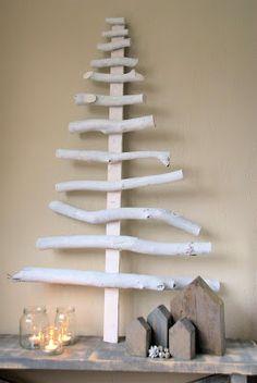 Kerstboom van houten stokken