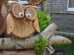 Wood owls - Wood How to Crafts Wood Log Crafts, Wood Slice Crafts, Driftwood Crafts, Wood Projects, Woodworking Projects, Wood Owls, Wood Animal, Block Craft, Owl Crafts
