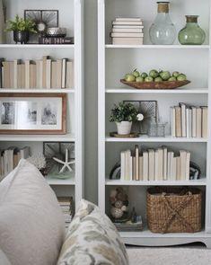 Stunning Bookshelf Styling Idea 51