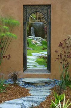 1. A defined entry. The entrance to a garden is an important feature that should be considered. It is a great opportunity to create a dramat...