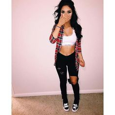 From distressed denim to chic dark cuts, check out our skinny jeans for women. Go from day to night in the best skinny jeans for women who only wear the latest trends. Malu Trevejo Outfits, Teen Fashion Outfits, Outfits For Teens, Girl Outfits, Cute Swag Outfits, Edgy Outfits, Jean Outfits, Baddie Outfits Party, Flannel Outfits Summer