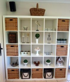 Expedit with baskets