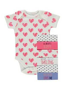 Make your precious little one comfortable for play time with these 100 percent cotton bodysuits.