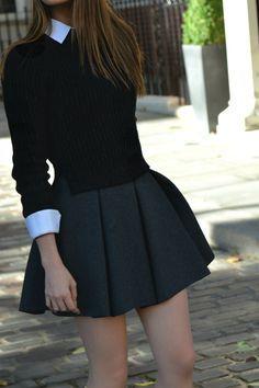 Me gusta la ropa porque me gusta una camisa blanca con un suéter negro. También, la falda va muy bien con el suéter. Puedo vestir el uniforme a la escuela.
