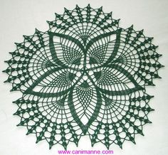 New Handmade Crocheted Fancy Fans Doily in Hunter Green 17 inches Crochet Doily Patterns, Crochet Borders, Crochet Art, Crochet Home, Thread Crochet, Filet Crochet, Crochet Motif, Crochet Doilies, Crocheted Lace