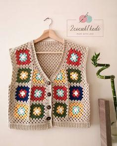 """1,251 Beğenme, 113 Yorum - Instagram'da Sevcan Genç (@2cocuk1kedi): """"Merhaba💗Bir hırkanın anatomisi🤓 Kollarına iki sıra lastik örüp, şu haliyle giyesim var şu anda😅…"""" Filet Crochet, Eminem, Projects To Try, Blanket, Vests, Crocheting, Instagram, Craft, Sweater Vests"""
