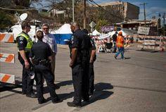 Asesinado a tiros un alguacil en una gasolinera en Houston (EE.UU.)  http://www.elperiodicodeutah.com/2015/08/noticias/estados-unidos/asesinado-a-tiros-un-alguacil-en-una-gasolinera-en-houston-ee-uu/