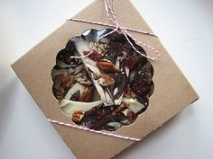 Chocolate bark Christmas packaging