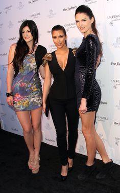 kendall and kylie kardashian Kourtney Kardashian, Kardashian Photos, Kardashian Style, Kardashian Jenner, Kardashian Family, Kardashian Fashion, Kris Jenner, Kendall Jenner Photos, Kendall Jenner Style