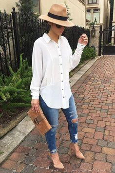 I love everything about this Fall outfit. Lovely Fall Fresh Looking Outfit. 32 Trendy Casual Style Outfits To Update You Wardrobe Now – I love everything about this Fall outfit. Lovely Fall Fresh Looking Outfit. Mode Outfits, Fashion Outfits, Womens Fashion, Fashion Trends, Office Outfits, Womens Jeans Outfits, Ladies Outfits, Office Attire, Outfits With White Shirts