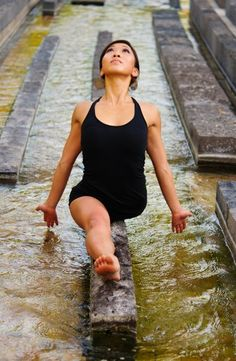 Julie Haedrich beautiful yoga pose