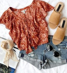 How to wear fall fashion outfits with casual style trends Style Outfits, Mode Outfits, Casual Outfits, Fashion Outfits, Fashion Trends, Womens Fashion, Style Fashion, Casual Shorts, Fashion Clothes